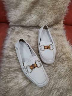 05e8bbe66 Authentic Gucci In Off White Leather Bamboo Horsebit Ladies Loafers size  35.5 also fits 36 to