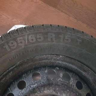 Nissan Sentra Winter Tires Aluminum Rims Included ( Free Used Winter Mats) 9/10 In Perfect  Condition)