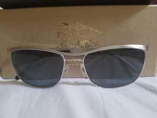 Guaranteed original Burberry sunglasses