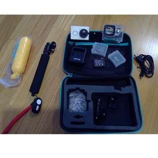 Xiaoyi Action Camera (full of accessories)