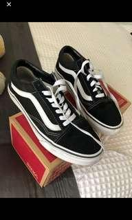 Old skool Vans 7.5 inc. post