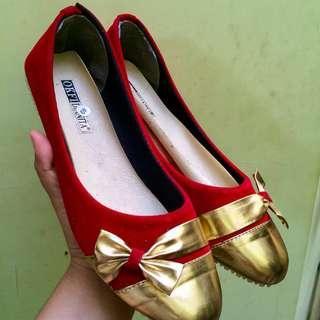 Flatshoes Merah
