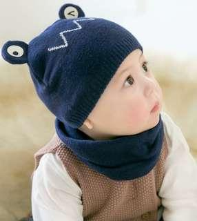 🚚 Winter beanie and scarf
