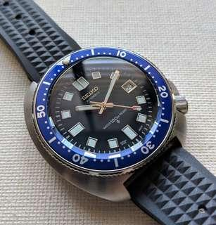 Seiko 6105 8110 Automatic Homage with Blue Insert