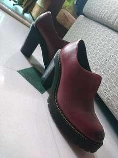 Authentic Dr Martens Cordelia in Wine