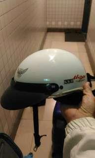 🚚 安全帽兩頂一起賣