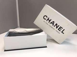 Chanel scarf 100% Authentic.  100%真貨
