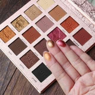🚚 16 colours eyeshadow palette