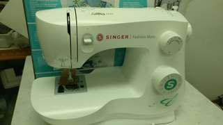New SINGER sewing machine(can make overlock)