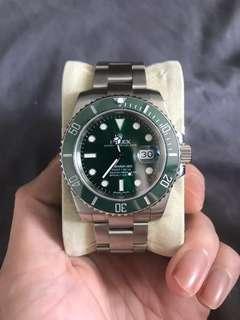 🚚 Rolex Submariner