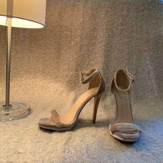 Cutest Millennial pink heels you've ever seen.