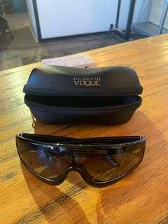 Gigi Hadid Vogue Sunglasses Zoom in