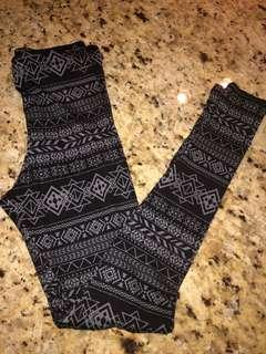 BNWT Printed Leggings Size Small