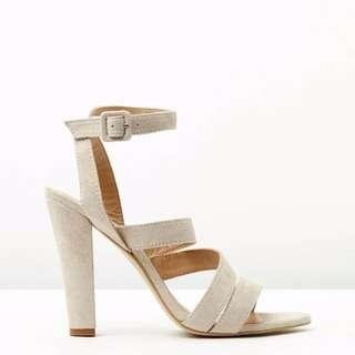 Thick Strap Heels - The Mode Collective