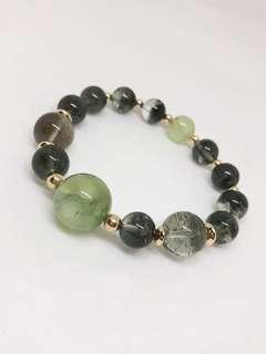 🚚 Ready to take on new challenges with an improved luck ? Green Prehnite & Phantom beaded bracelet can bring positive career and love change !