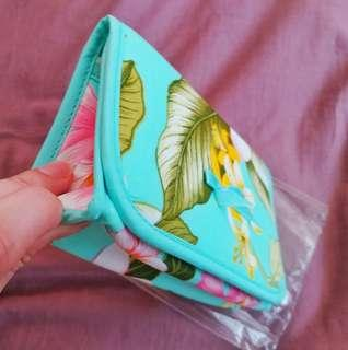 Nanara 淺綠花花化妝袋