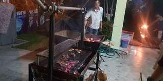 BBQ outdoor grill with rotater for whole lamb