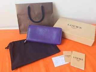 🚚 Loewe 紫色 Amazona 鎖頭拉鍊長夾