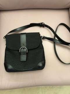comodite sling bag