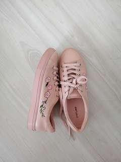[instock] prettyfit pink floral rose embroidered sneakers