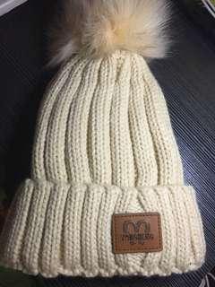 米白色冷帽