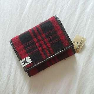 🚚 American Eagle Outfitters Trifold Wallet