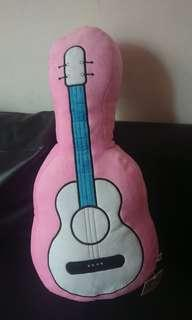 吉他造型玩偶