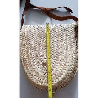Cross-body / Leather sling Woven straw bag