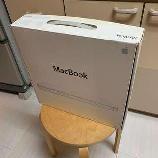 MacBook box for 13 inches