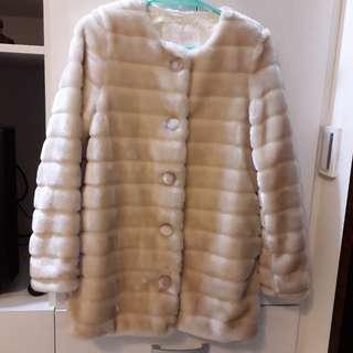 🚚 日本類皮草外套