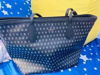 🚚 DKNY中型托特包