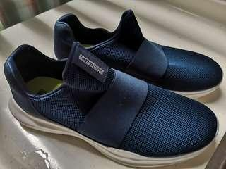 🚚 Brand new Skechers performance with goga max navy blue