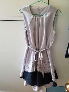 斯文裙 連身裙 淺紫色 花花 不透 有底裙