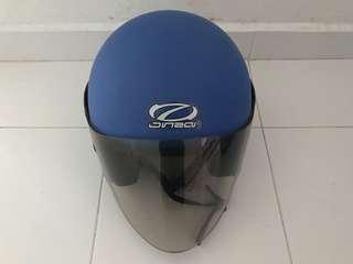 Helmet with buzer