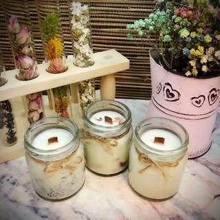 🚚 療癒款~獨一無二手工製作天然香氛精油按摩大豆蠟燭,每款都有添加超滋潤乳油木果,融化的蠟油可以用來滋潤肌膚喔~薰衣草