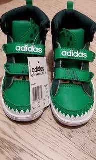 全新男童 Adidas 波鞋 綠色恐龍