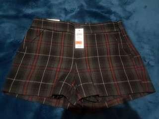 Gap 全新格紋短褲
