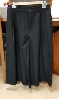 Uniqlo 黑色闊腳褲