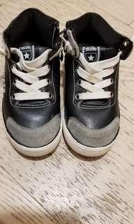 黑色男童皮鞋