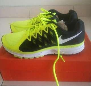 BNIB Original Nike Zoom Vomero 9 Running Shoe - Men #ME150