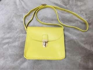 🚚 二手正品 黃色真皮 topshop 小包包一個