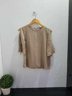 190 blouse loose beige