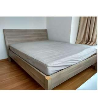 🚚 Ikea queen size bed with mattress