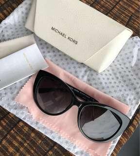 c0b4fc080 authentic sunglasses | Luxury | Carousell Philippines