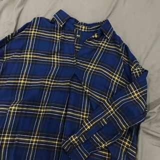 9.9成新✨Uniqlo 法蘭絨v領前短後長格紋上衣