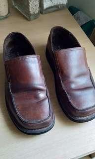 Sepatu Hust Puppies clasic