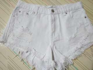 🚚 率性刷破牛仔短褲 白色