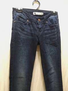 🚚 Levi's 深藍牛仔褲