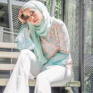 [price reduced] HijabistaHub Sofina Lace Top