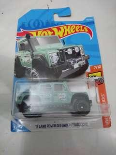 Hot Wheels '15 LandRover Defender Double Cab